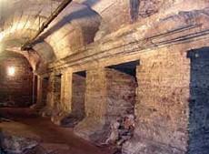 Il tempio di Giano. Nelle aperture vi erano alloggiati i cambia valute.